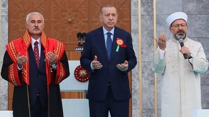 Türkiyeyi bekleyen büyük tehlike! Yarın bir gün iktidar anayasaya devletin dini İslam ibaresi ekleyelim derse halk onay verir mi?