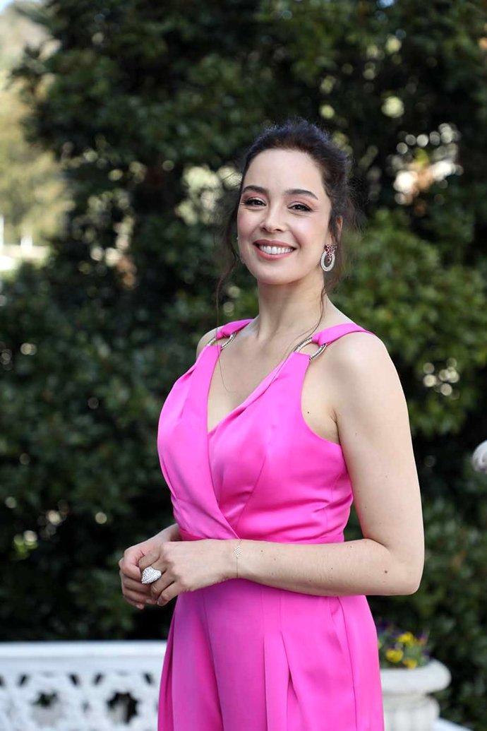 Miss Turkey gecesinde buluşan eski güzellerden hangisini daha çok beğeniyorsunuz?
