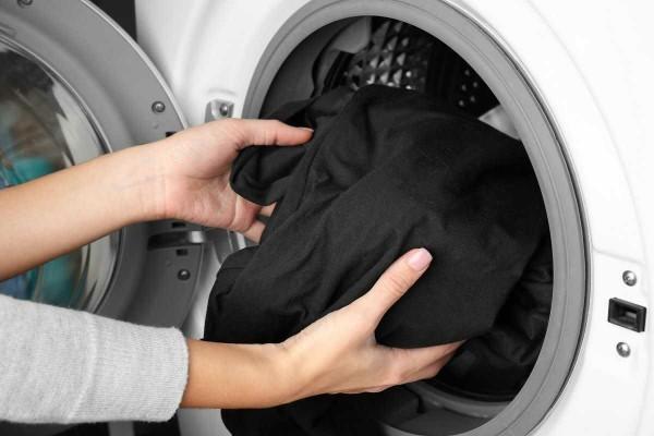 Siyahlar kaç derecede yıkanır? Renkleri nasıl korunur?