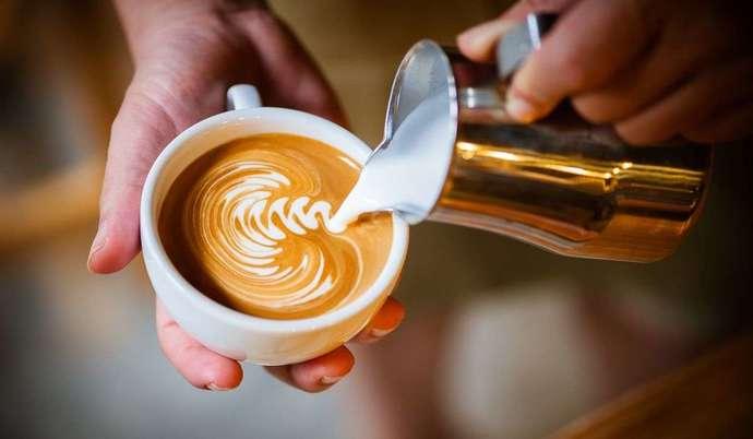 Hadi ankete katıl! Bi kahve içelim! deyince aklına hangisi geliyor, Türk kahvesi mi yeni nesil kahve çeşitleri mi?
