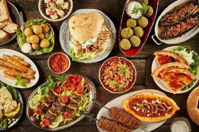 Asya, Avrupa veya Amerikan yemeklerini mi tercih edersini?