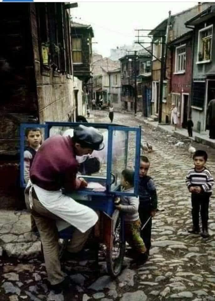 Çocukluğunu yaşayamayan çocuklar hakkında ne düşünüyorsunuz?