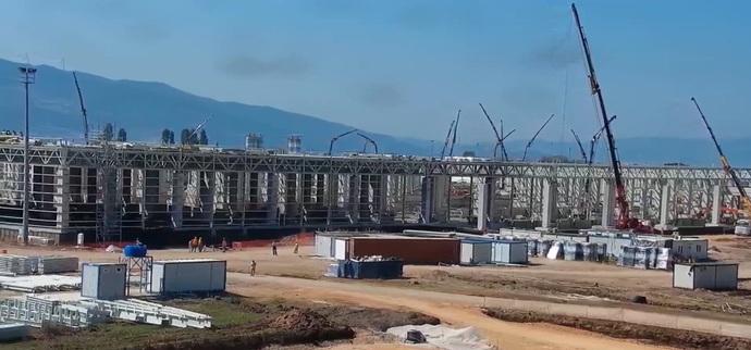 TOGG fabrikasının üretim binaları yavaş yavaş tamamlanıyor sizce söz verilen tarihe yetiştire bilecekler mi?