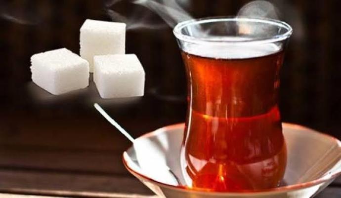 Çaya Şeker Atmak Zararlı Mı?
