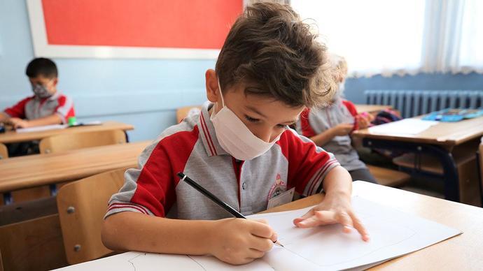 Çocuklarda korona vakası %30 arttı! Okulların 2 haftalık etkisi için ne düşünüyorsunuz?