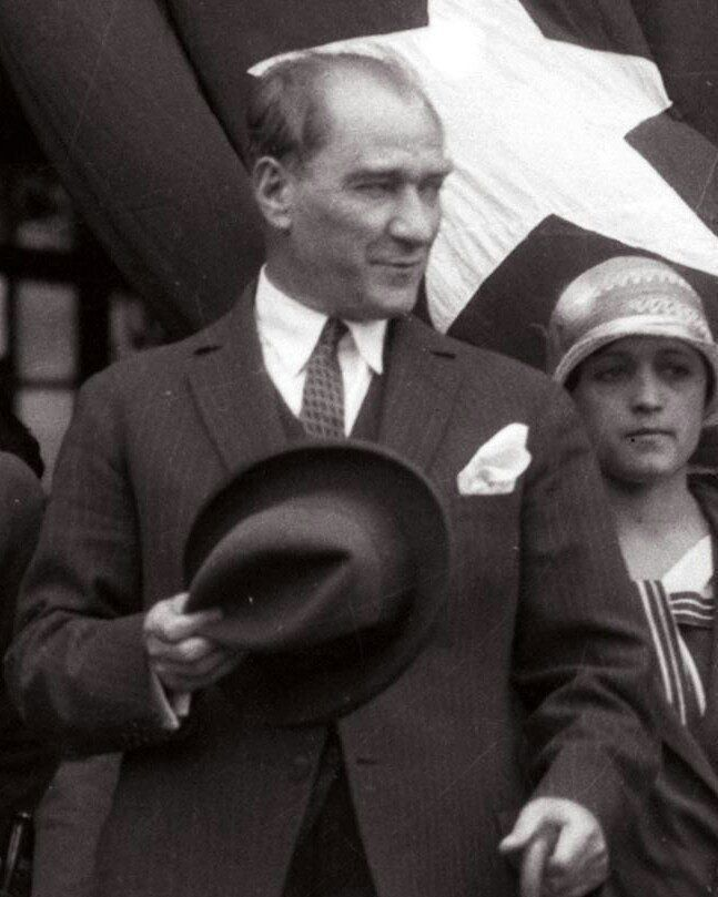 Atatürk düşmanı vatan haini midir?