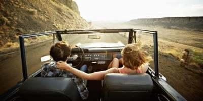Yakın arkadaşla yapılan yolculuk mu daha keyiflidir yoksa sevgiliyle yapılan mı?