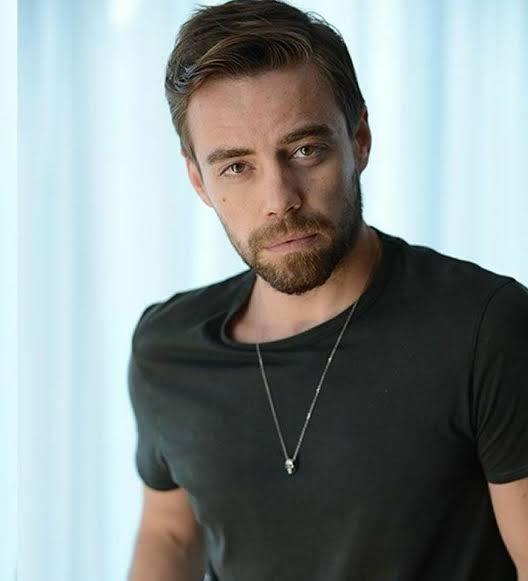 Murat Dalkılıç sizce yakışıklı bir adam mı?