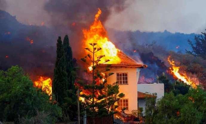 İnsanların evi yanarken İspanyol bakan yanardağa turist çekmeye çalıştı. Siz bu konuda ne düşünüyorsunuz?