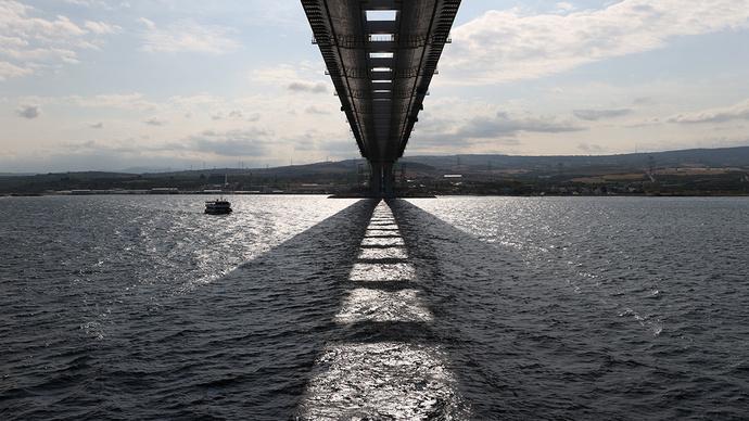 15 Euroya Geçiş Ücreti Olan Çanakkale Köprüsünün Maliyeti İle Ülke de Kaç Üniversite Yurdu Açılabilir?