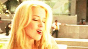 Megan Fox mu daha güzel Amber Heard mı?