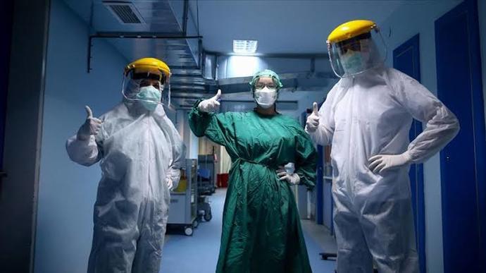 Sağlık kuruluşunda çalışan sağlık personellerinden memnun musunuz?
