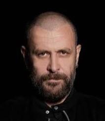 Kısa saçlı + sakallı erkekler çekici mi?