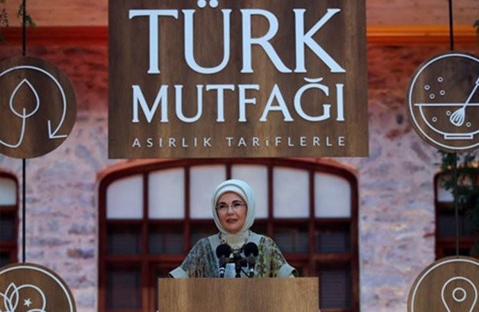 Emine Erdoğan hanımefendiyi nasıl buluyorsunuz?