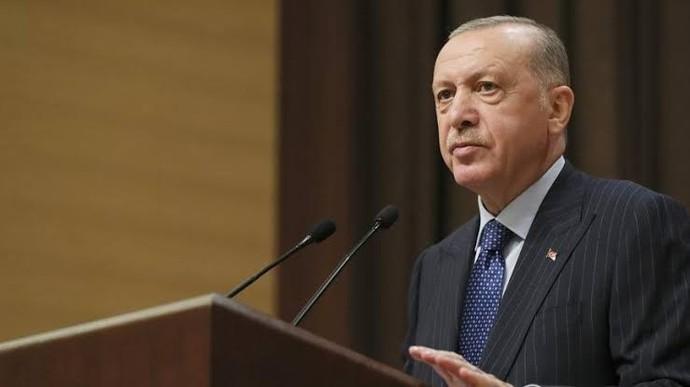 Erdoğanın 2023 seçimlerindeki şansını yüzde kaç olarak görüyorsunuz? Tekrardan kazanırsa nasıl bir ülke bizi bekliyor sizce?