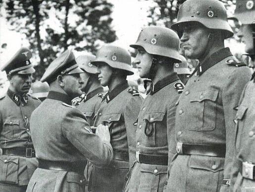 Adolf Hitler gibi Biri Günümüzde Yaşasaydı Bir Ülke Yönetebilir miydi ?