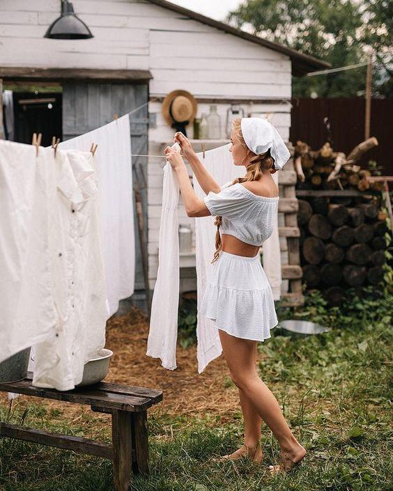 Çamaşırları asmak mı size daha zor geliyor, katlamak mı?