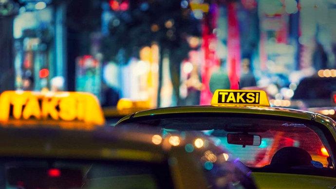 Avrupa Yakasına geçmek isteyen turistten, 400 Dolar vize parası alan taksiciye neler demek isterdiniz?