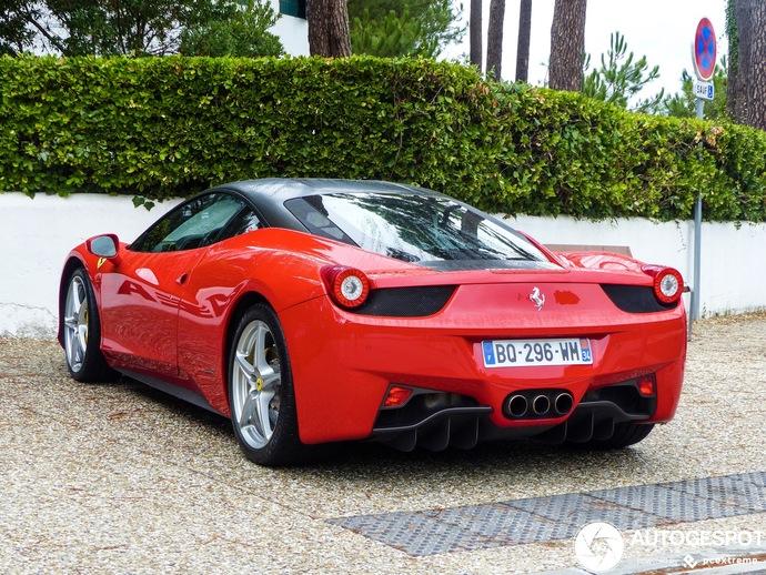 Ferrari 458 İtalia vs Nissan Gtr R35?