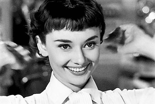 Muhteşem Bir Gülümsemenin Sırrı Sence Hangisi?