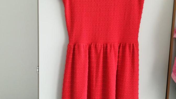 0e9f83f93bdde Bu elbiseye hangi renk kilotlu corab yakisir? Rengi biraz turuncuya kaciyor?