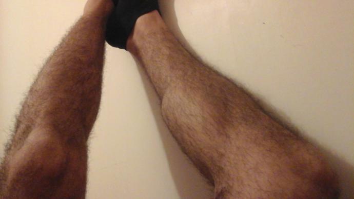 Bacaklarım sizce çok mu seksi yoksa az mı 😃?