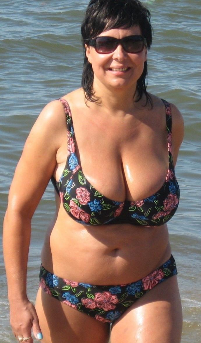 Mature Woman In Bikini