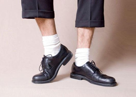 Erkekte hangisi daha antipatik: Kısa paça mı, babet çorap mı?