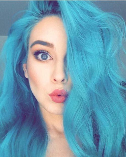 Renkli saçlara sahip olan erkekler/kadınlar daha mı çekicidir?