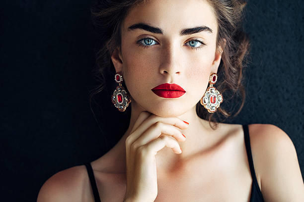 Güzelliğe/yakışıklılığa tav olan taraf genelde kadınlar mı, erkekler mi?