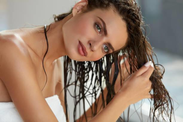 Saç kremi saç diplerine sürülür mü?