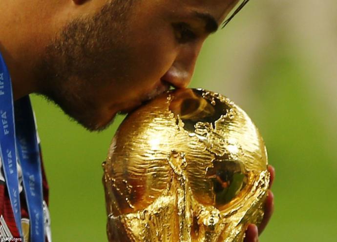 Dünya Kupası'nda finalin adı 🇫🇷 Vs 🇭🇷 Fransa- Hırvatistan! Bu final maçından beklentileriniz nelerdir?