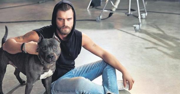 Bu ünlü Türk erkekleri ve köpeklerinden hangisi sizin favori çiftiniz?