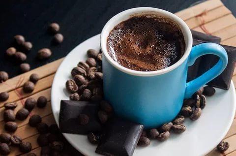 Türk kahvesinin yanında en iyi ne gider ?