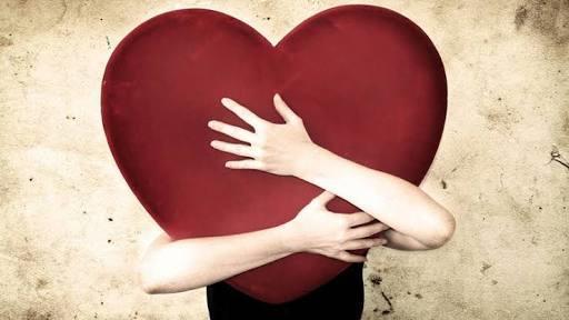 Kendini sevmeyen birisi başkalarını sevebilir mi?