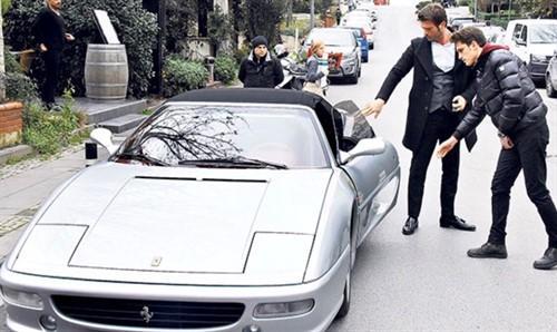 Araba sevdalısı ünlülerden senin favorin hangisi?